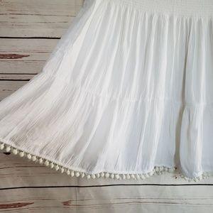 Lilly pulitzer large bright white pom pom skirt